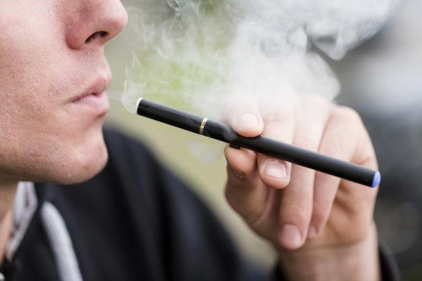 Comment-bien-choisir-son-e-cigarette-.jpg